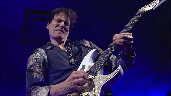 steve-vai-front-and-center-ga