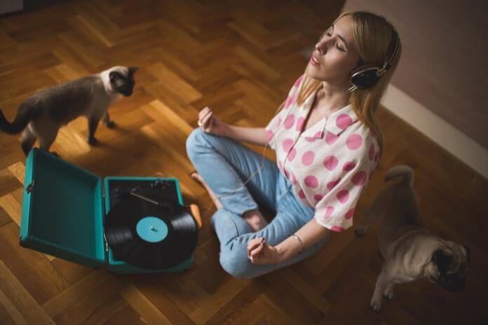 listen vinyl record