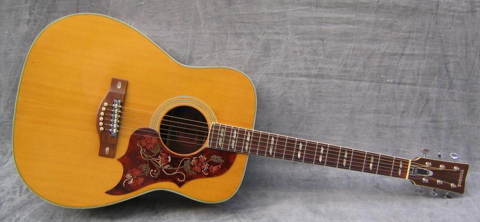 1971 Yamaha FG-300 - Photo courtesy of Swedish Vintage Guitars